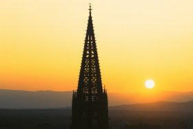 Cathedral spire at sunset © FWTM / Raach