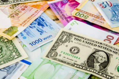 Currency © Shutterstock